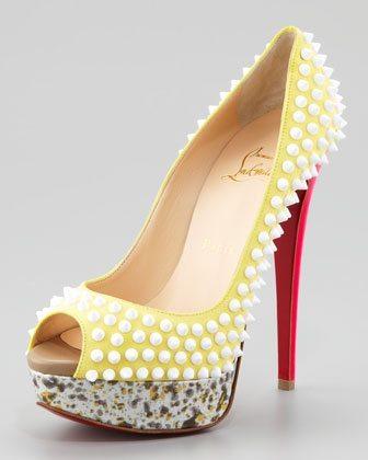 loboutin-zapato-tacon-tachuelas