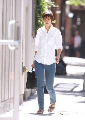 katie_holmes_wears_skinny_jeans_woo_hoo_main_3520